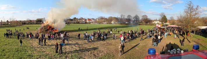 Osterfeuer-2012-LZ-Enger-Panorama